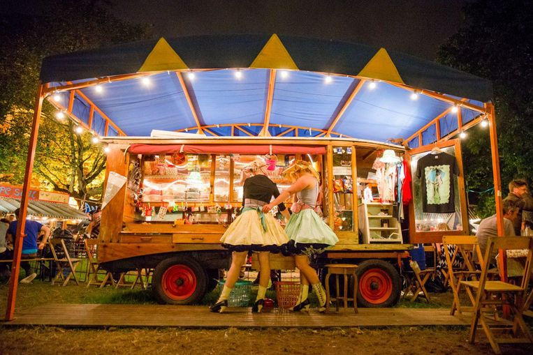 Festivallampjes, sangria, poffertjes en theater: dat moet de Parade zijn Beeld Joep van Aert