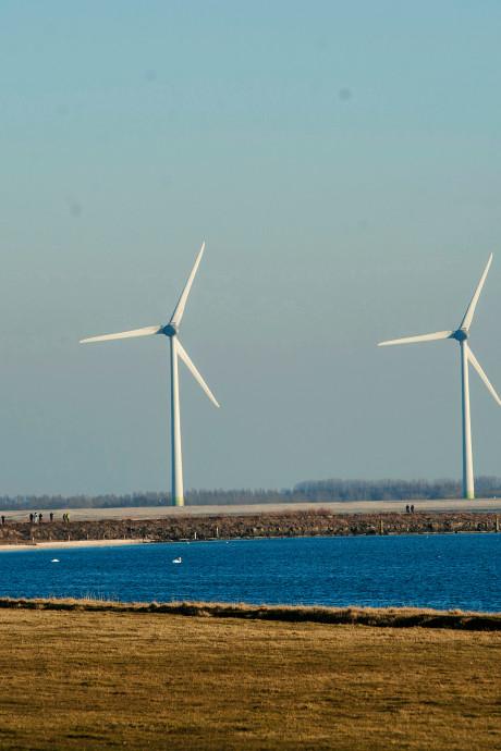 SP wil geen hoge windmolens op Zeeuwse dijken