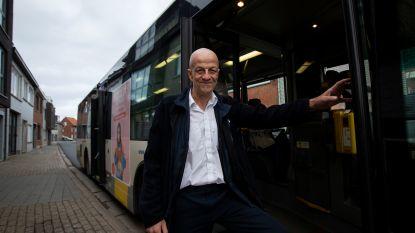 """Buschauffeur Marc (54) reanimeert man, nu krijgen al zijn collega's EHBO-cursus: """"Hier pleit ik al drie jaar voor"""""""