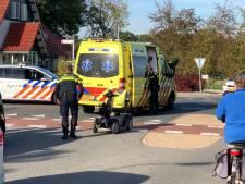 Bestuurder scootmobiel naar ziekenhuis na aanrijding in De Lutte