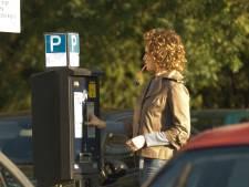 Kritiek op Veldhovens plan voor gratis parkeren