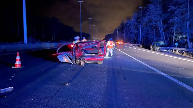 Drie gewonden bij zwaar ongeval langs E40 in Beernem