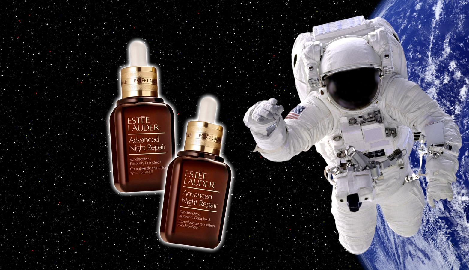 Estée Lauder maakt reclamespotje in de ruimte.