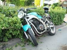 Motorrijder ervandoor na crash in Barneveld