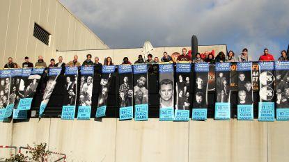 Veiling banners Lokerse Feesten levert 3.900 euro op voor goede doel