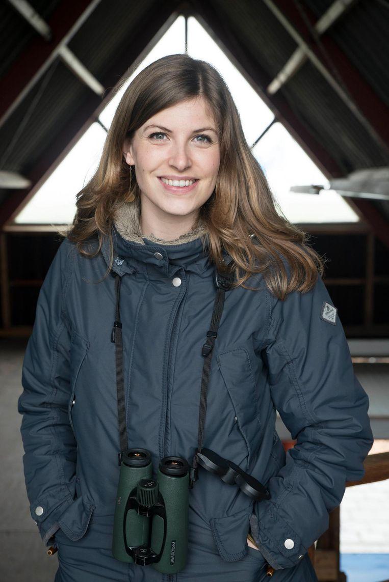Camilla Dreef: 'Ik houd zelf van de gedragingen van de vogel, en dat mag ook een heel alledaagse soort zijn' Beeld Charlotte Odijk