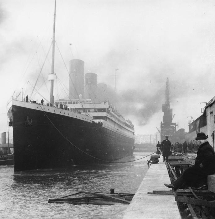 Titanic werd in 1912 in de vaart genomen en zonk in de nacht van 14 op 15 april na een aanvaring met een ijsberg.