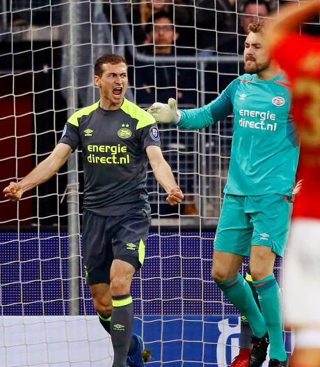 Scrollen door het succesjaar van PSV (2): de vuisten van Daniel Schwaab, nagenieten en transfergekrakeel