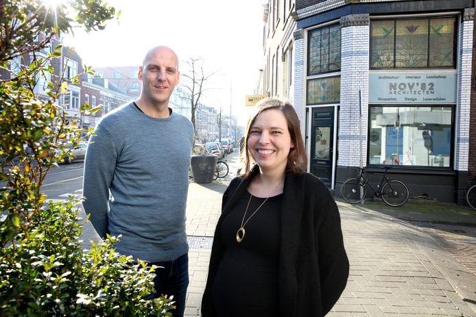 Architecten Faynzo Osinga en Laura Ubachs houden zelf ook kantoor in een oud winkelpand.