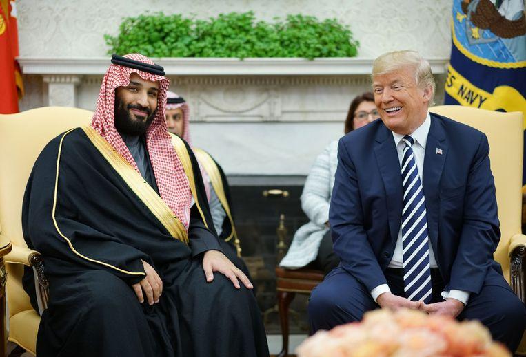 De Amerikaanse president Donald Trump en de Saudische kroonprins Mohammed bin Salman tijdens een ontmoeting in het Witte Huis.