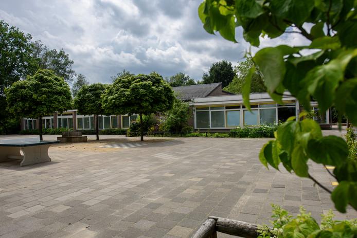 Het huidige gebouw van De Krommen Hoek in Breugel.