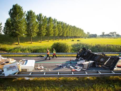 Voertuig op verkeerde weghelft veroorzaakte ravage op N50 bij Kampen