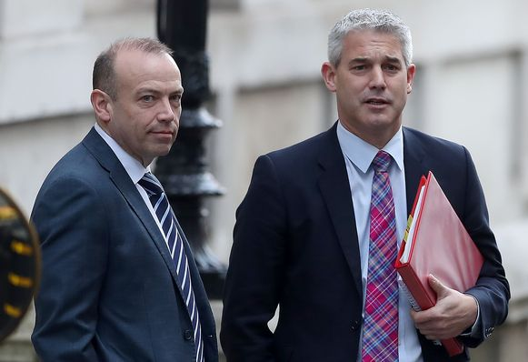 Chris Heaton-Harris (links) met brexitminister Stephen Barclay (rechts).