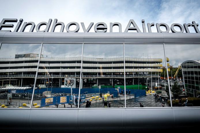 De politie was getipt over een heroïnesmokkelaar op Eindhoven Airport.