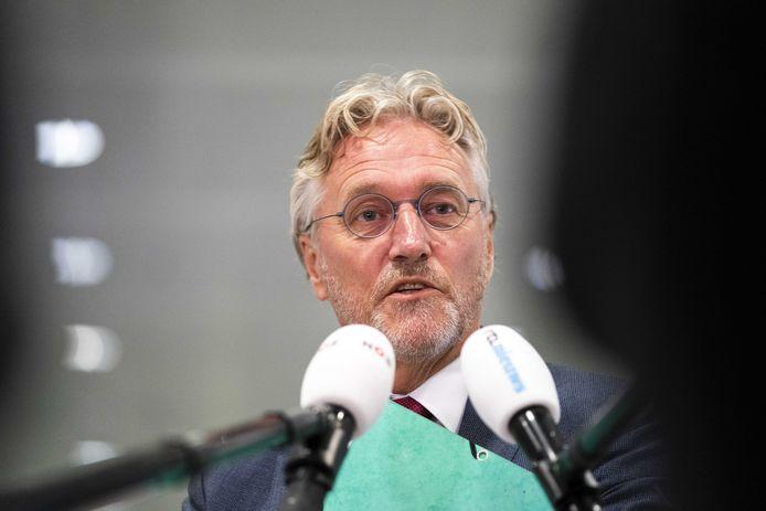 De Eindhovense burgemeester John Jorritsma voorafgaande aan het Veiligheidsberaad maandag. Dat beraad bestaat uit de voorzitters van de 25 Nederlandse veiligheidsregio's.