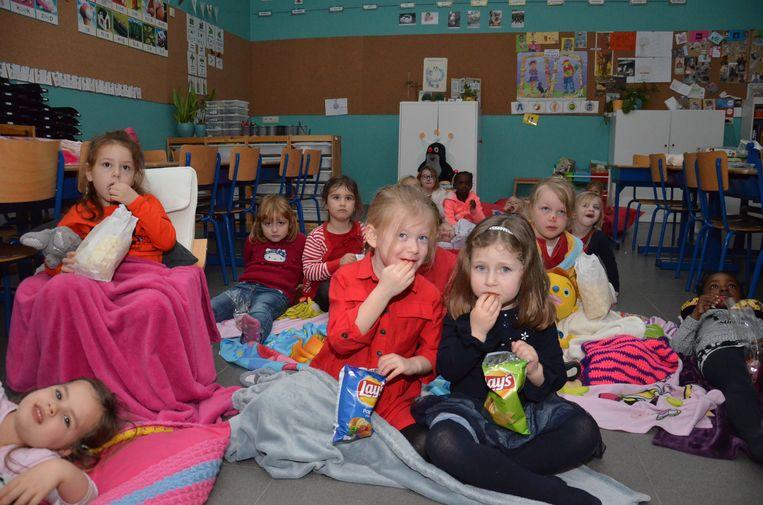 Rode Neuzen Dag in basisschool 't Landuiterke in Denderleeuw, waar er onder meer een filmavond was voor de kinderen.