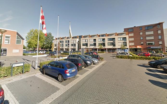 Het Raadhuisplein in Woudrichem.