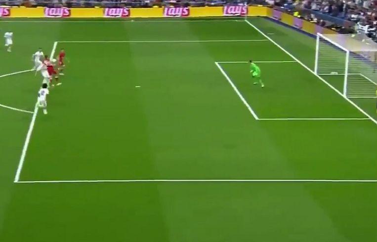 Lewandowski vertrok vanuit bitenspelpositie toen Müller hem probeerde te bereiken.