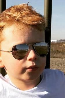 Nederland steekt Julian (7) hart onder de riem: 'Je rode haar is prachtig!'