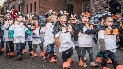 280 kinderen in zonnige carnavalsstoet