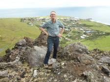 Droom komt uit: Frans uit Enschede eindelijk op meest afgelegen eiland ter wereld