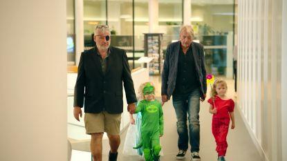 Pascal en Jan gaan op pad met hun kleinkinderen in 'Twee Tinten Grijs'