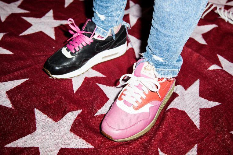 'Ik ga nauwelijks uit, doe geen gekke dingen en besteed gewoon al mijn geld aan sneakers' Beeld Linda Stulic
