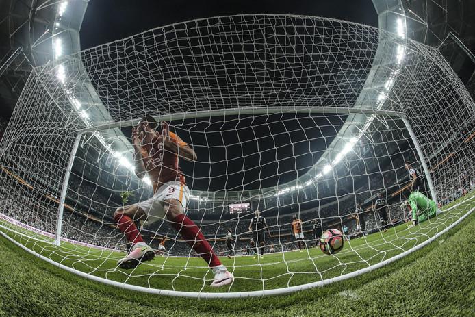 Eren Derdiyok heeft gescoord voor Galatasaray in de Turkse kraker tegen Besiktas.