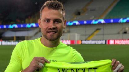 Mooie geste van Mignolet: Club-doelman schenkt truitje aan baby Pia