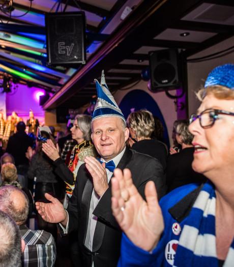 Carnavalsshow ongekend populair in Elst