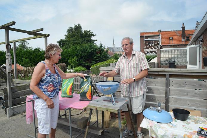 Tonnie (links) en Appie van den Hoek noemen Brouwershaven een stadje waar alles is.