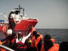 Reddingsschip Ocean Viking redt opnieuw 73 migranten uit het water