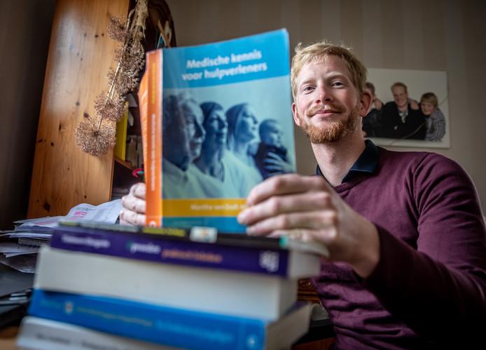Eduard Poot denkt dat zijn dyslexie en het onbegrip daarover een rol speelde bij de lange periode die hij nodig had voor zijn afstudeerproject.
