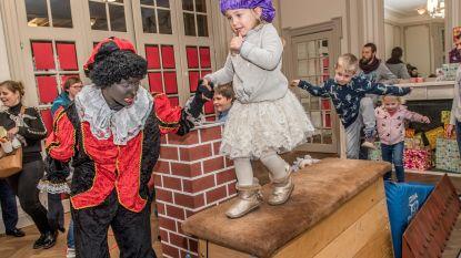 Zwarte Piet geeft turnles: zo loop je over een dak