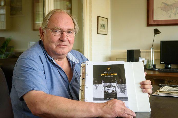 Hans Holtmann schreef een boek over joodse gemeenschap in Almelo.