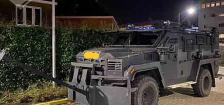 Dit is de 'Bearcat' waarmee de politie een beveiligd drugshuis bestormde