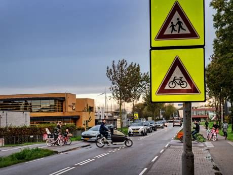 'Grijp in op Nijmeegse kruising waar kinderen oversteken, wacht niet tot er een ernstig ongeluk gebeurt'