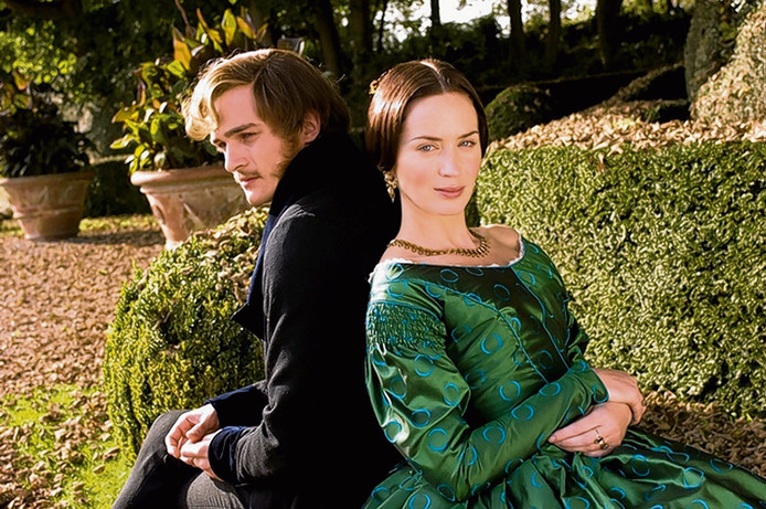 Rupert Friend en Emily Blunt in The Young Victoria.