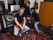 Enschedese reggaeband trekt volle zalen met 'positieve vibe'