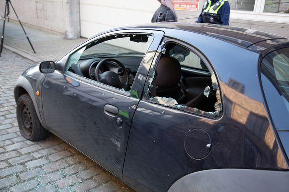 Een geparkeerde auto in de Biekorfstraat was het doelwit in de nacht van 18 op 19 maart.