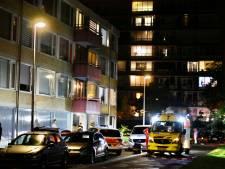 Man zwaargewond na val van balkon