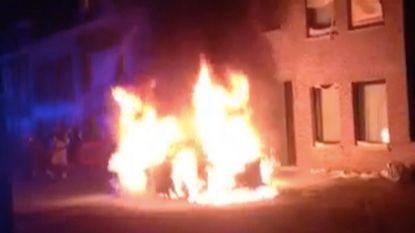 VIDEO: Auto brandt uit Wondelgem, vuur vermoedelijk aangestoken