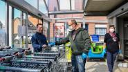"""Slechts vijftig klanten toegelaten in Delhaize: """"Goeie zielen nodig om klanten zonder kar buiten te houden en karretjes te ontsmetten"""""""