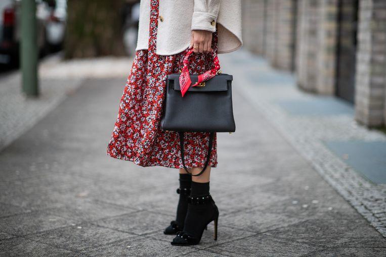 Een zwarte handtas is een onmisbaar item in je garderobe.