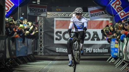 Mathieu van der Poel troeft Michael Vanthourenhout en Toon Aerts af op Cyclocross Masters in Waregem