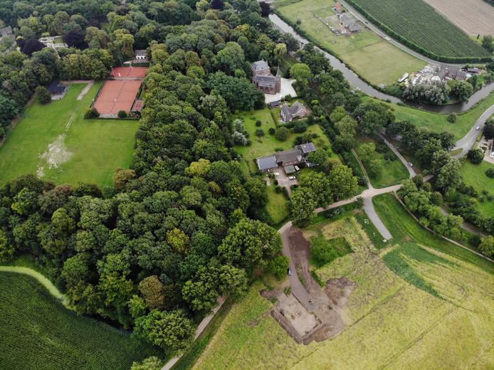 Aan de Haagse Uitweg waar vroeger de oude boerderij van de familie Van Koeverden stond, komt nu een nieuwe woning.