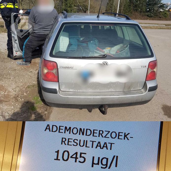 De auto werd staande gehouden door de politie.