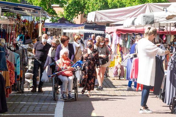 De wekelijkse markt kon weer doorgaan in Brasschaat.
