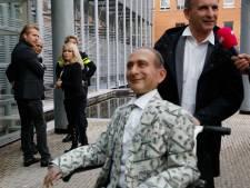 Vlemmix sleept Paay voor rechter om smaad, laster en belediging