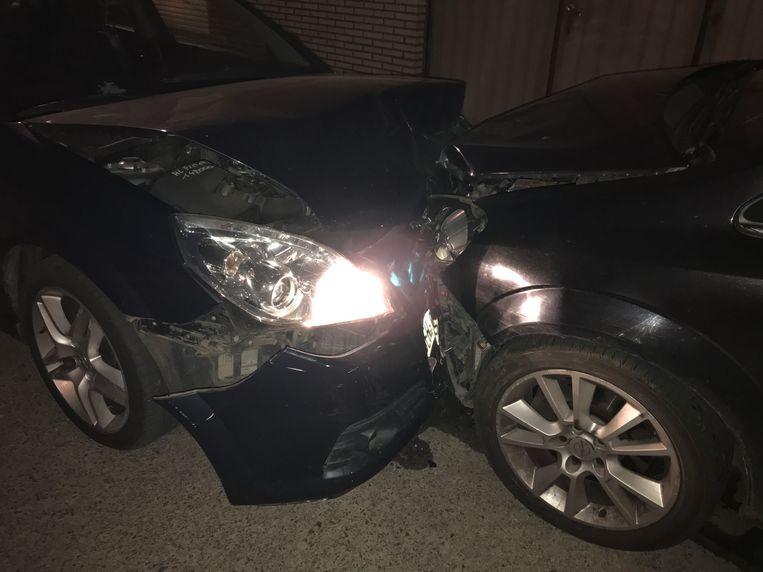De twee Opels liepen de zwaarste schade op.